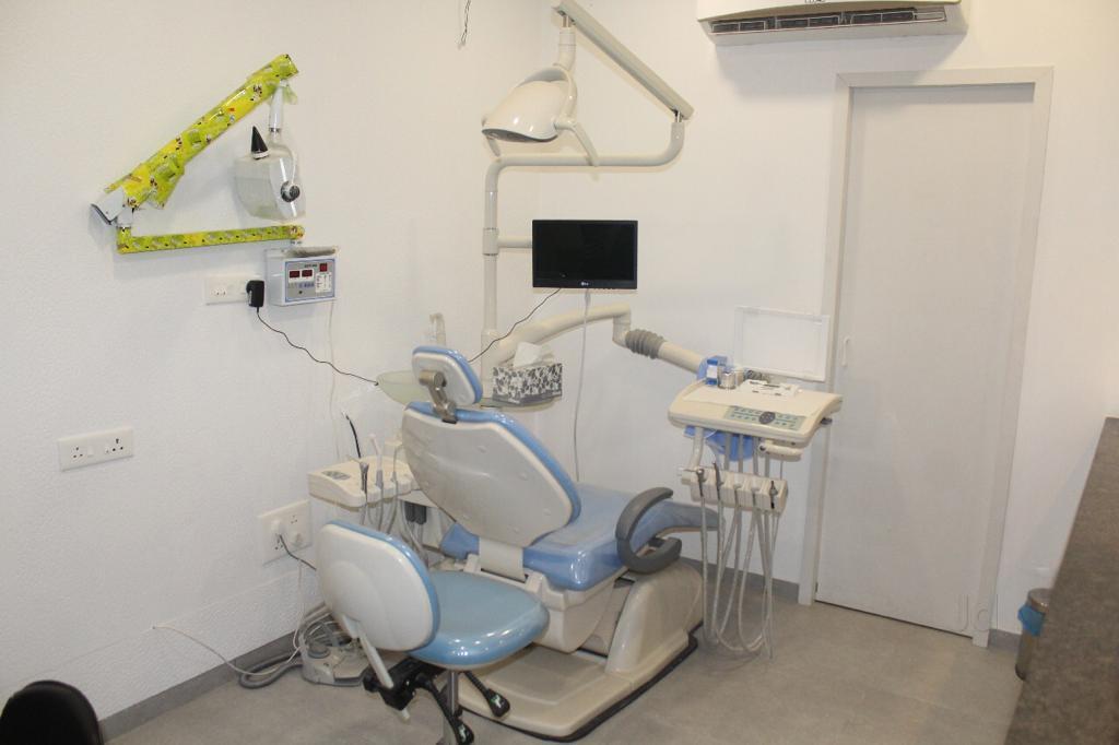 ایمپلنت و کلینیک دندانپزشکی در کرج