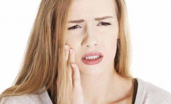 ایمپلنت دندان درد دارد؟